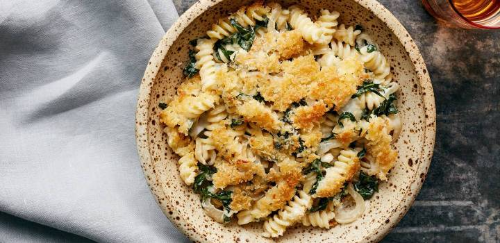 hero_Caramelized_Onion_Mac_and_Cheese_with_Kale___0011___HERO